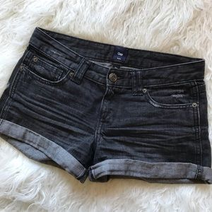 GAP BLACK DISTRESSED MID RISE DENIM SHORTS